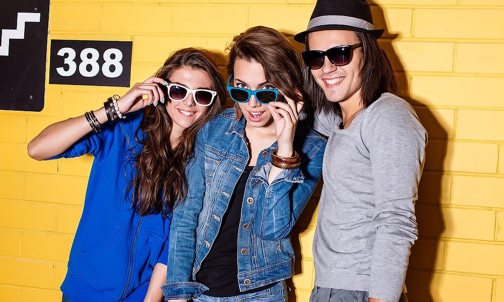 group-glasses