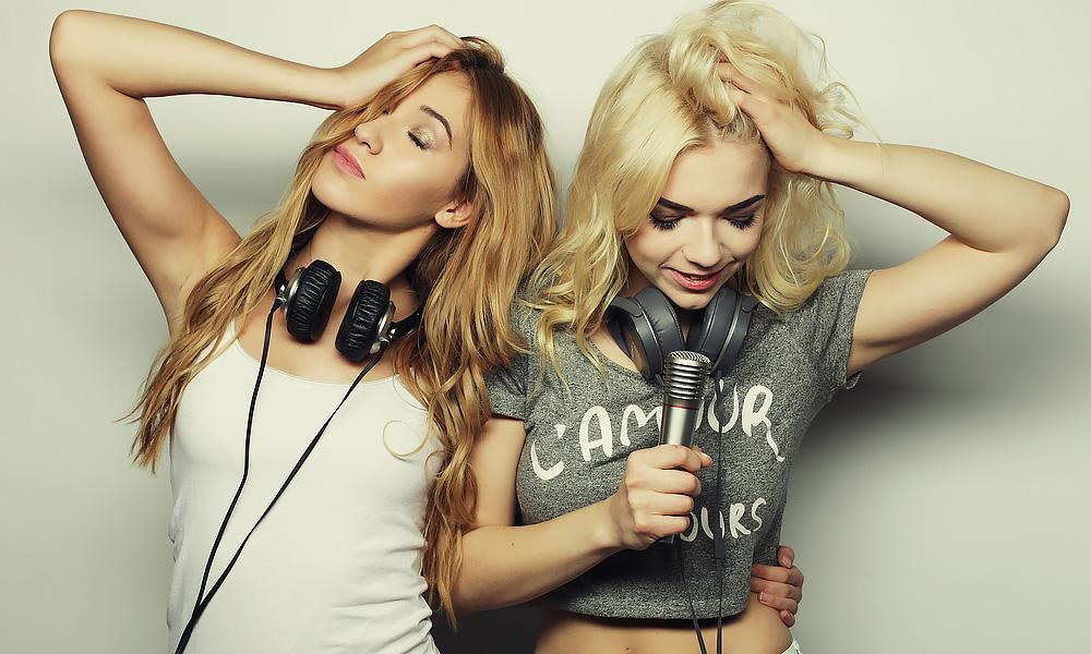women-music